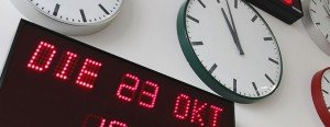 Kloksysteem met diverse klokken